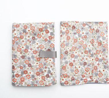 conjunto bolsa y cambiador impermeable con tela laminada y toalla en el interior de Jan&Noah